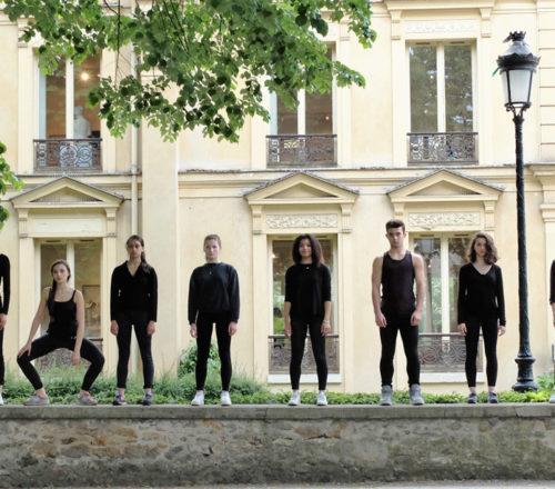 CURIOSITIES Chorus